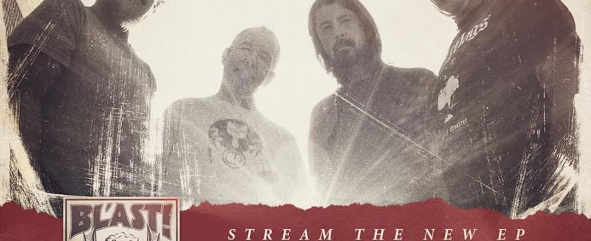 Daar is Dave Grohl weer: nu als drummer van hardcorepunkers Bl'Ast!