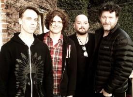 Grunge-supergroep met Mark Lanegan, Alain Johannes (ex-QOTSA) + leden Pearl Jam en Soundgarden
