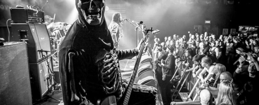 In 1 beeld: Rompeprop op Eindhoven Metal Meeting