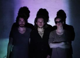 Eurosonic-tip Desert Mountain Tribe: fuzzy groovende UK psychrock met Liam Gallagher swagger