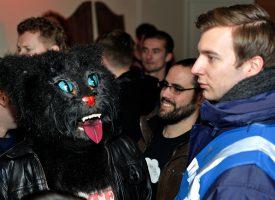 Onthullend! Sniester kat vertelt over katers, Haagsche programmeurs en Sniester Festival