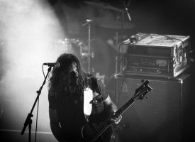 Dennis (Death Alley) speelt als Jonkoklapper-gitarist op Roadburn