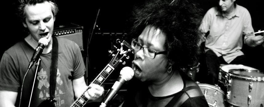 Cultband Kanipchen-Fit met een Residue van ruwe, poëtische noise-blues