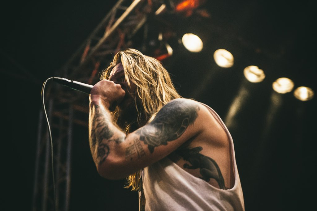 While She Sleeps op Jera On Air, foto Dani Silvia