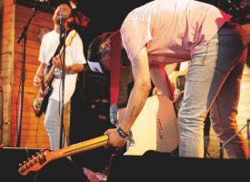 Interview: It It Anita over maximaal feesten, John Agnello, live, Luik en de geheimen van AGAAIIN