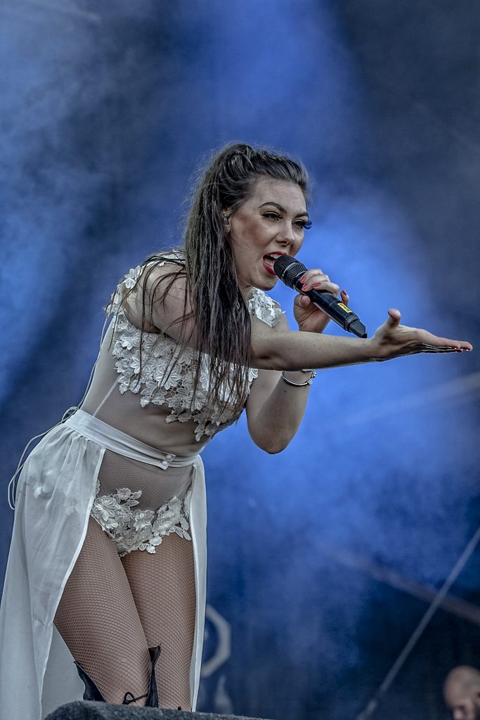 Amaranthe op Into The Grave, foto Rob Sneltjes