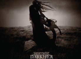 Albumreview: Darkher spookt angstaanjagend mooi op Realms