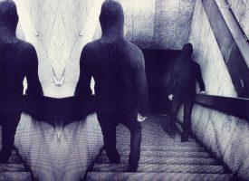 Albumreview: Emptiness bevreemdt flink binnen gitzwart universum