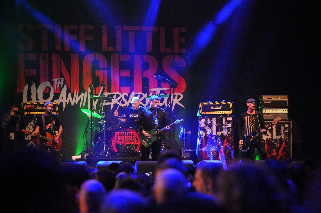 Stiff Little Fingers op Scumbash, foto Christel de Wolff