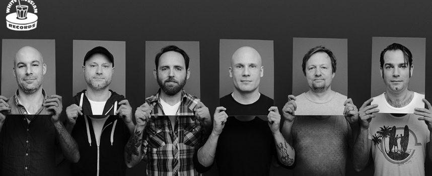 Travoltas nu echt helemaal terug: album in april op White Russian