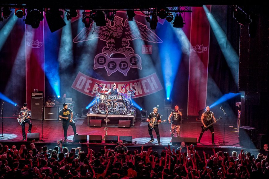 Five Finger Death Punch in 013, foto Rob Sneltjes