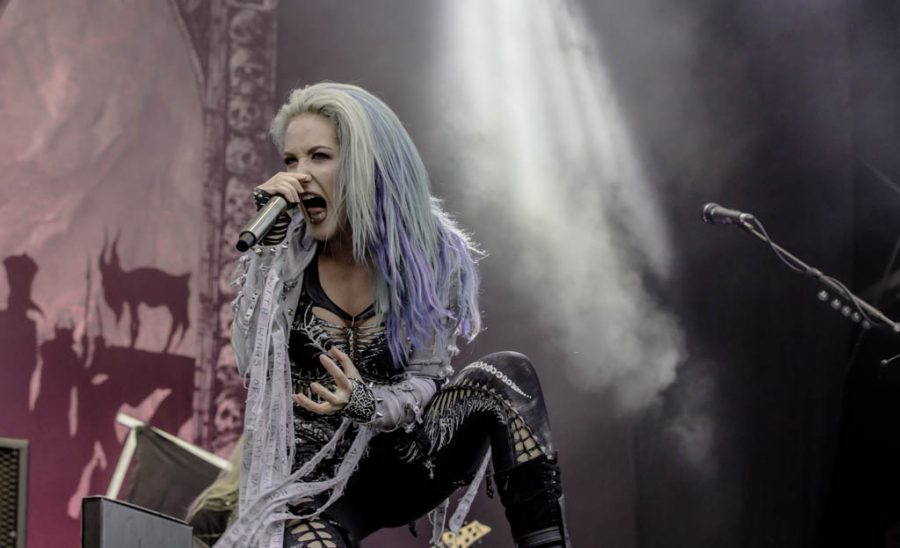 Arch Enemy op Into The Grave 2017, foto Rob Sneltjes