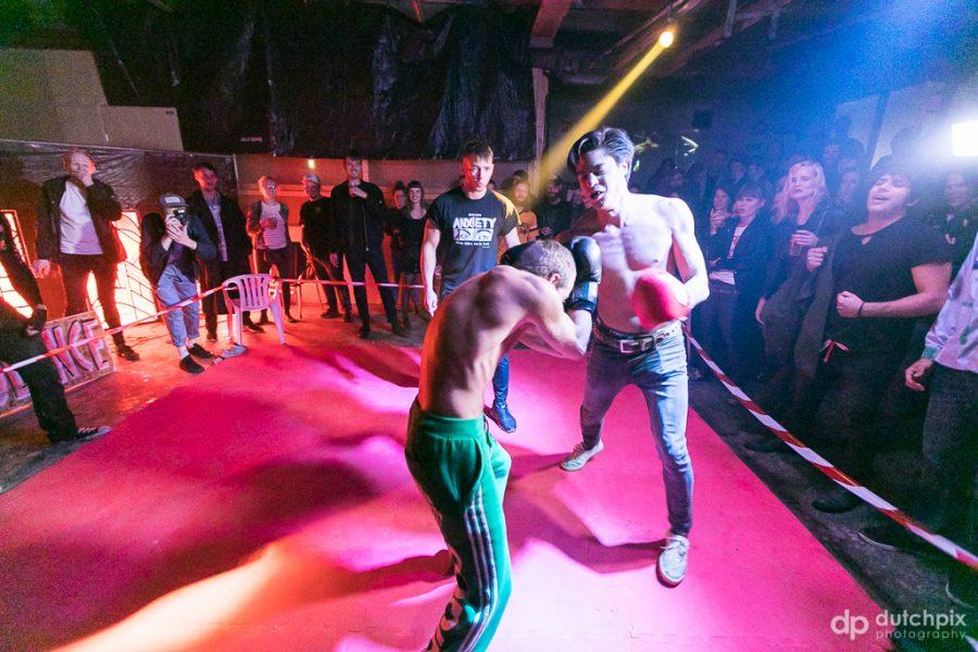 'Sexy violence' op LNOE #2, foto: Jan Rijk