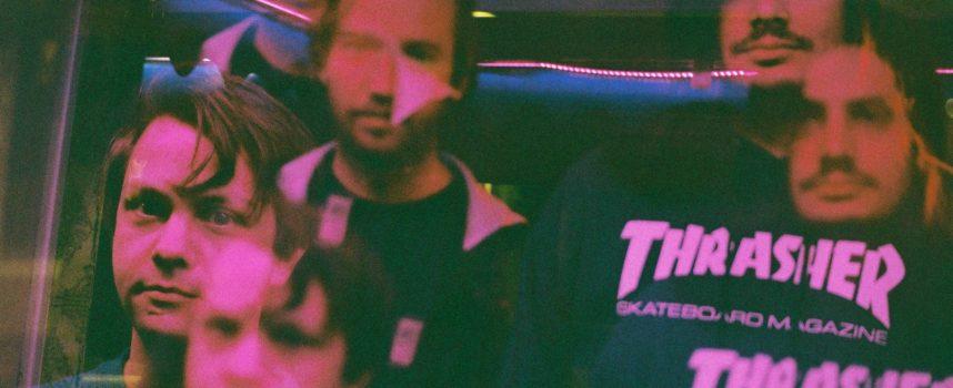 The Lumes teasen EP met stijlvolle video, in zwartwit uiteraard