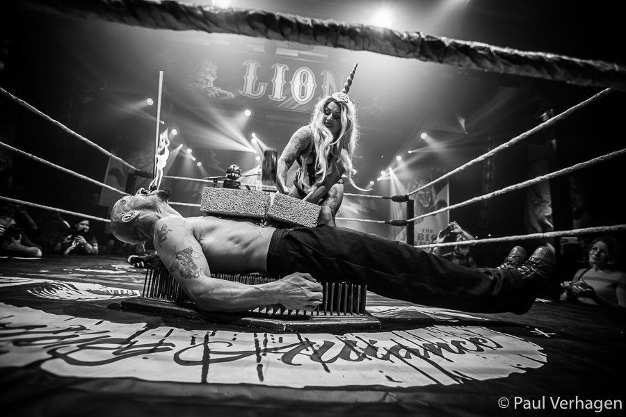 Cunning Stunts Cabaret op Helldorado, foto Paul Verhagen