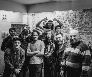 Lookapony overleeft tour met Together PANGEA, dropt banlieue-clip en plant EP
