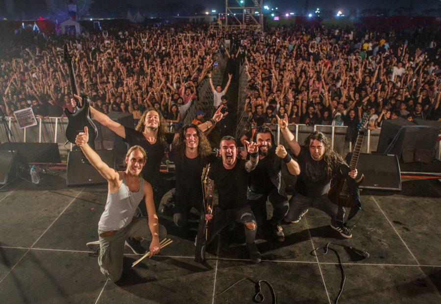 Textures na afloop van hun laatste concert tijdens het NH7 festival in India. Foto door Wouter van de Kamp.