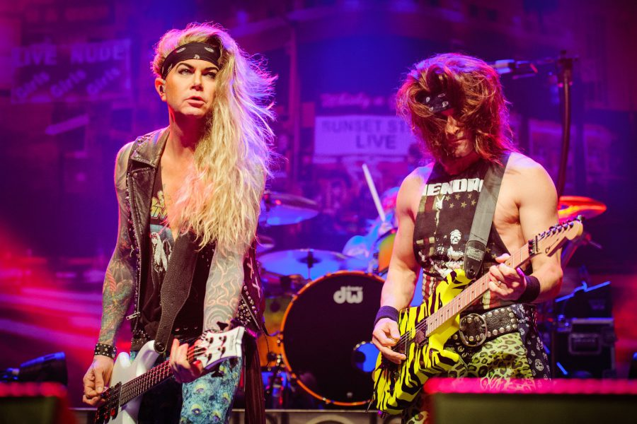 Steel Panther in 013, foto Jostijn Ligtvoet
