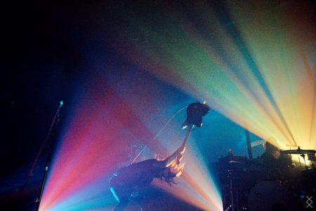 A Place To Bury Strangers op Fuzz Club Eindhoven, foto Maron Stills