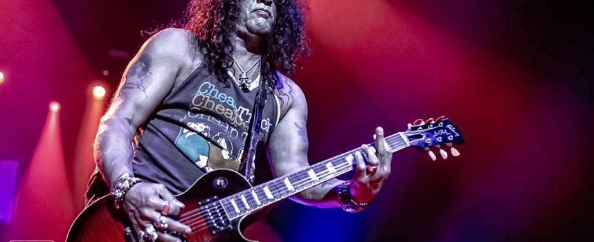 Genieten zonder nonsens met Slash ft. Myles & The Conspirators in AFAS Live