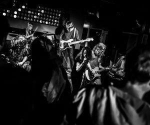 Corona kijkvoer: 5 dikke (live)streams van vorige week met o.a. Drive By Wire, Two and a Half Girl en Dopelord