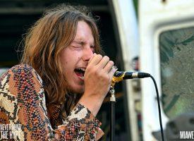 Op tour met Tricklebolt: 'Vintage bands dragen geen korte broeken'