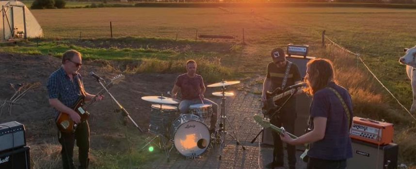 Video van de Week: dromerig psychen in schemerlicht met Lock the Door van nebenschau