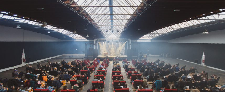 In Beeld: zo zag de show van DeWolff eruit in Burgerhaven