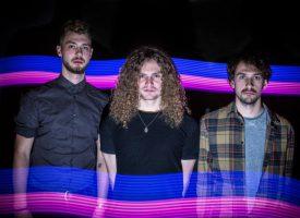 Psychrock luistertip: Karmic Seeds brengt ode aan overleden gitarist Tim Reintjes met debuutalbum