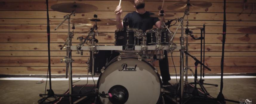Belgische beuktip: HIPPOTRAKTOR releaset derde single God Is In the Slumber middels drum playthough